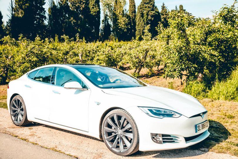Rouler en Tesla pour mariage