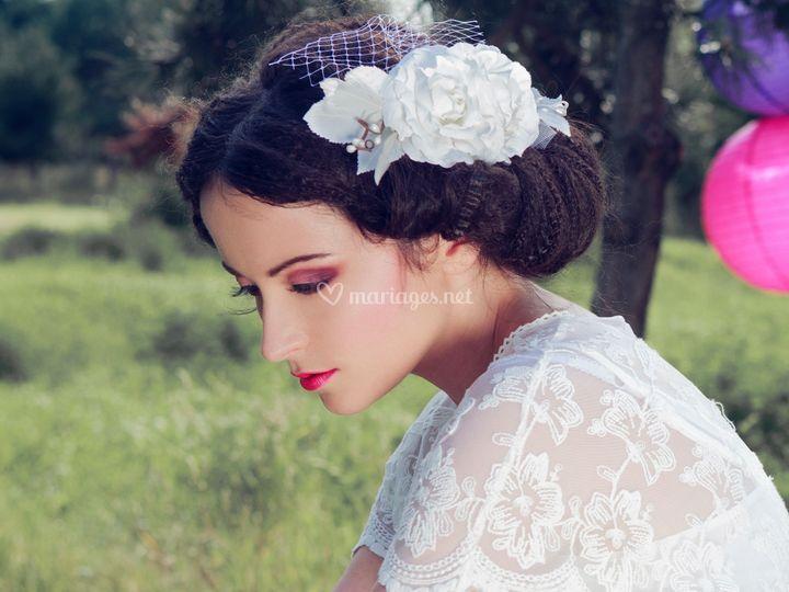 Peigne à cheveux fleuri