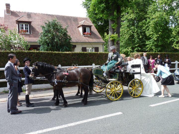 La mariée monte en voiture