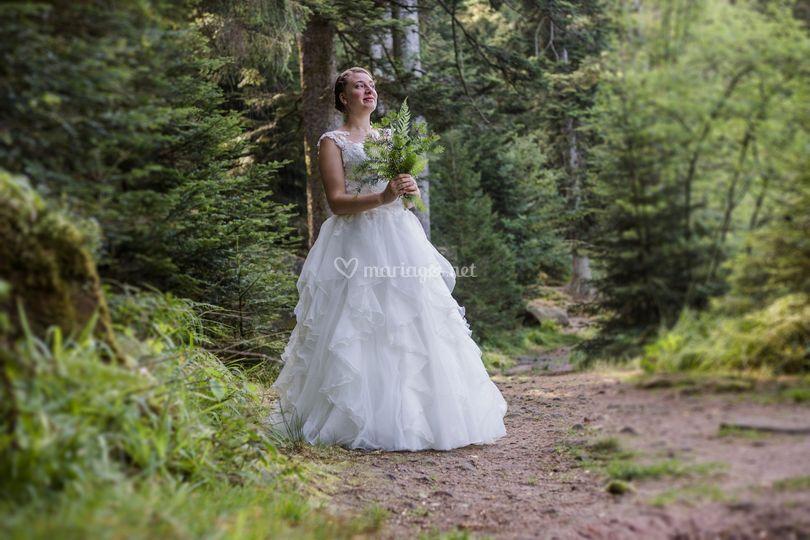 Mariée en forêt