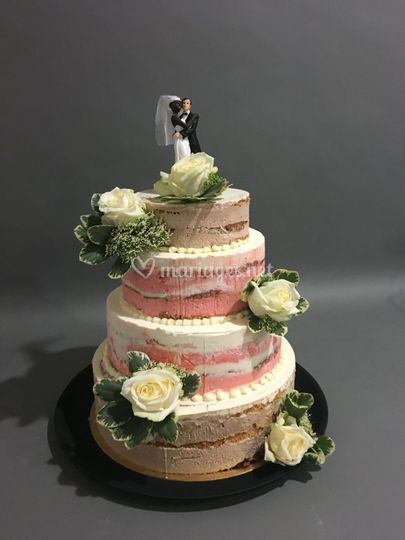 Naked or nude cake