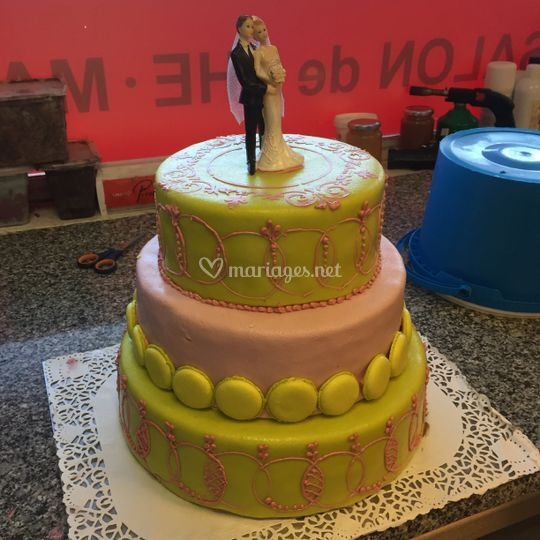 Wedding cake jaune