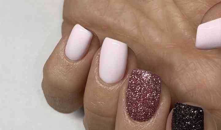 Belle comme tes Ongles