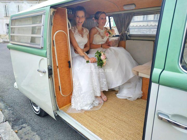 Des mariées heureuses