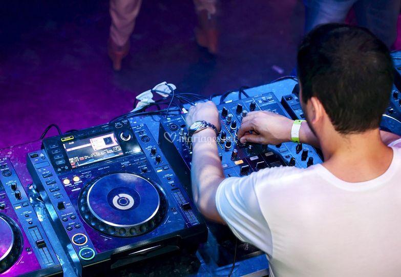 Animateur DJ