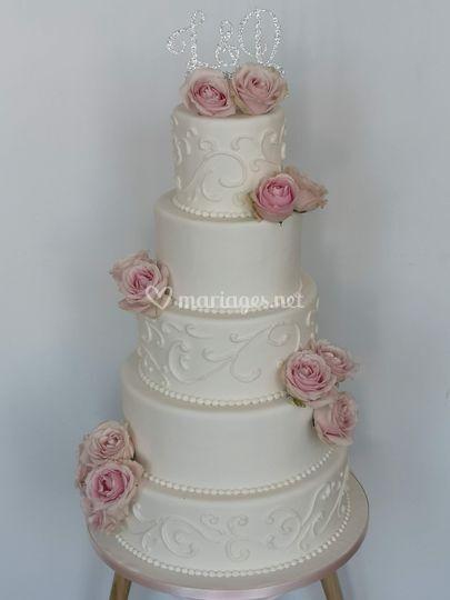 Wedding cake arabesque