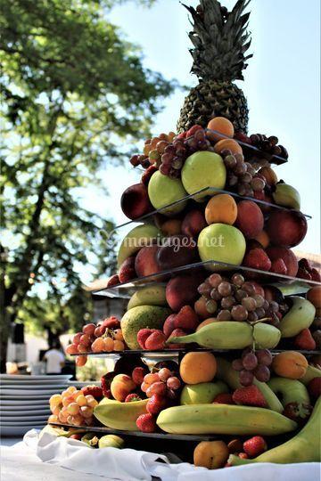 Pièce montée de fruits