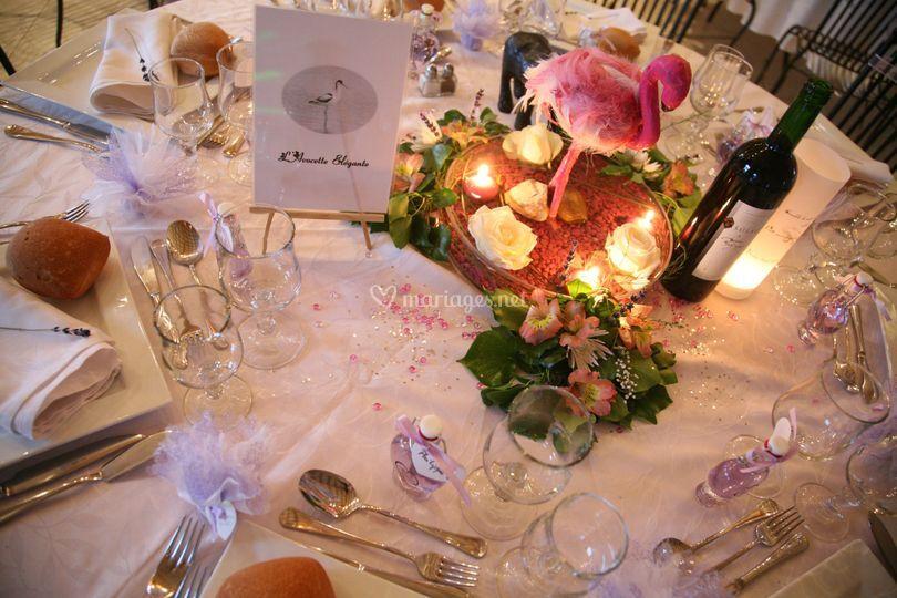 Buffet Exterieur Decoration Rose Et Blanc