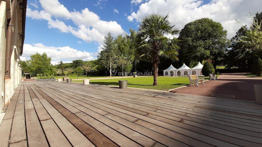 Le parc et la cour du château
