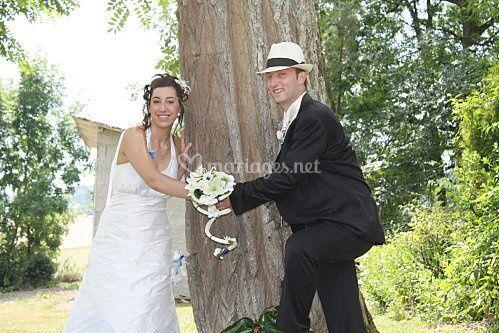 Les mariés et le bouquet
