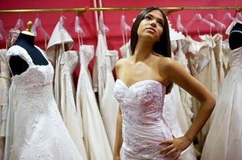 Cintre personnalisé pour la robe de mariée