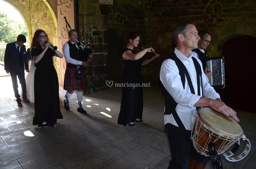 Mariage au château - cortège