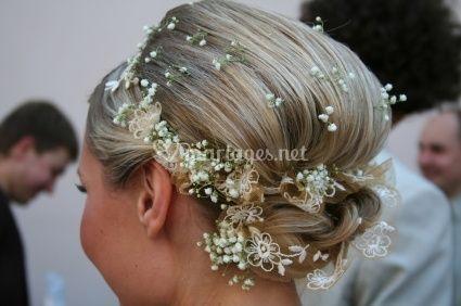 Chignon Mariage Avec Fleur Coupe De Mariage Cheveux Long Arnoult