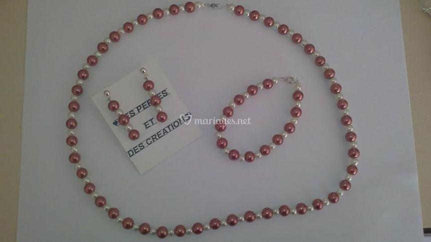 Parure perles nacrées