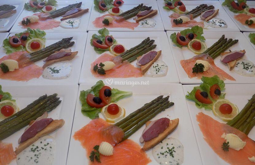 Duo asperges et saumon fumé