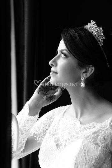 Mariée en noir et blanc
