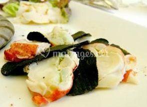 Salade composée homard et truffes noires