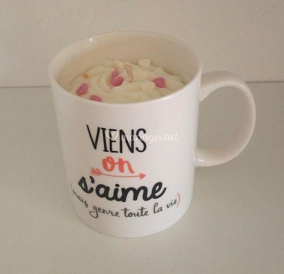 Bougie gourmande dans son mug