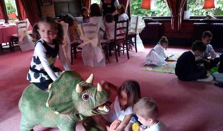 Rodéo sur dinosaure automate