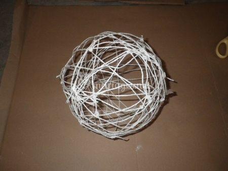 tutoriel boules de fils pour suspension. Black Bedroom Furniture Sets. Home Design Ideas