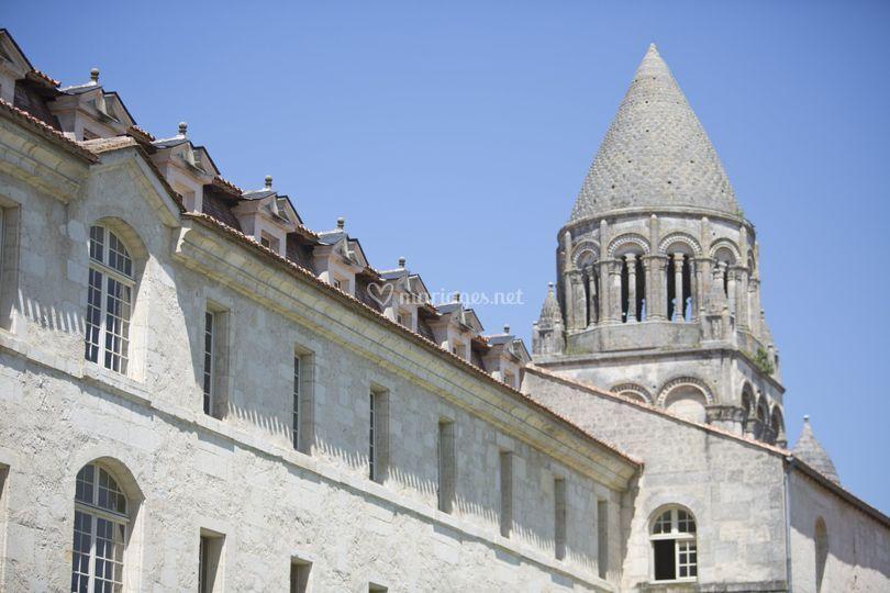 L'Abbaye aux Dames sur Abbaye aux Dames