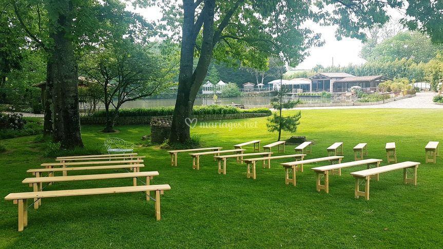 Cérémonie laïque dans le parc