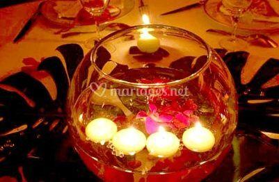 Bocal avec bougies flottantes