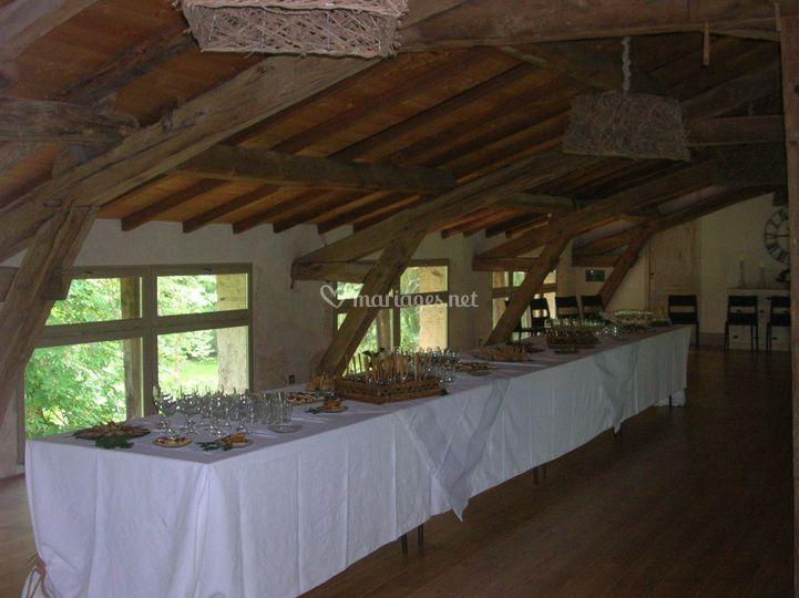 Salle de réception, buffet