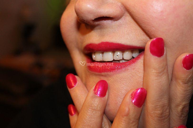 Maquillage + bijoux dentaire