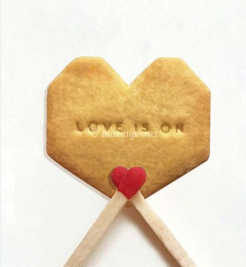 Love is on !
