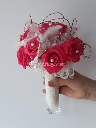 Bouquet de mariée en dentelle chic et strass