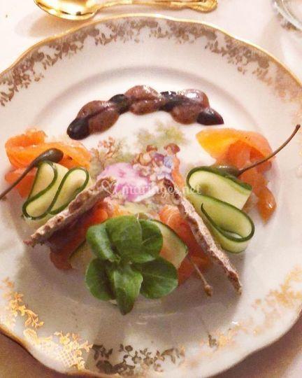 Gravlax de saumon salé maison