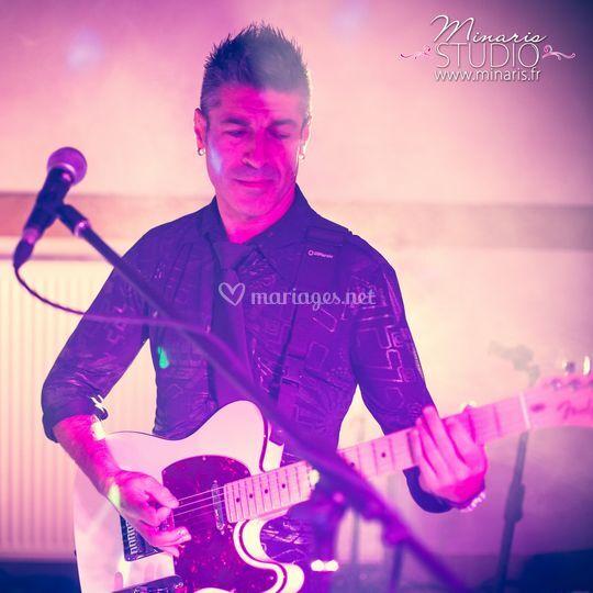 Guitariste choriste
