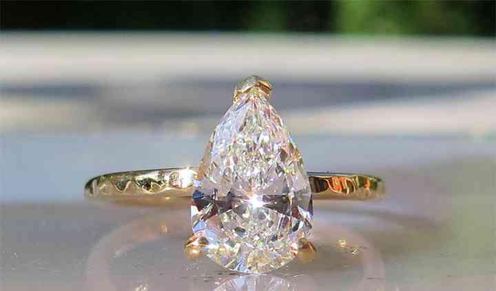 Diamant poire 1.5 carats