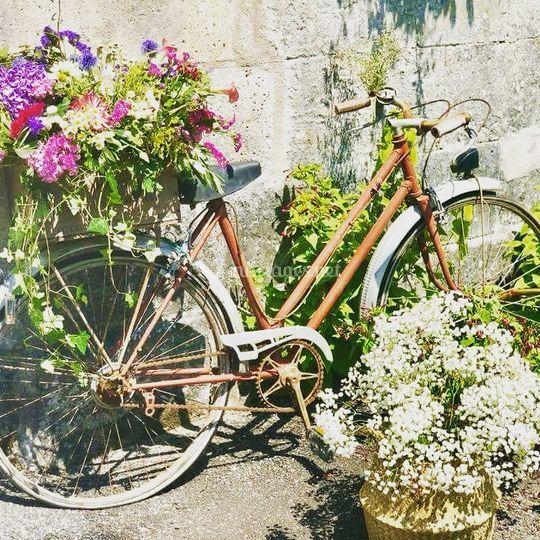 Décoration bohème vélo fleuri
