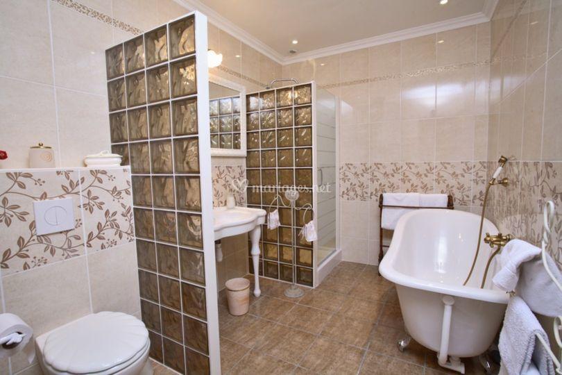 Salle de bain Chambre Violettes