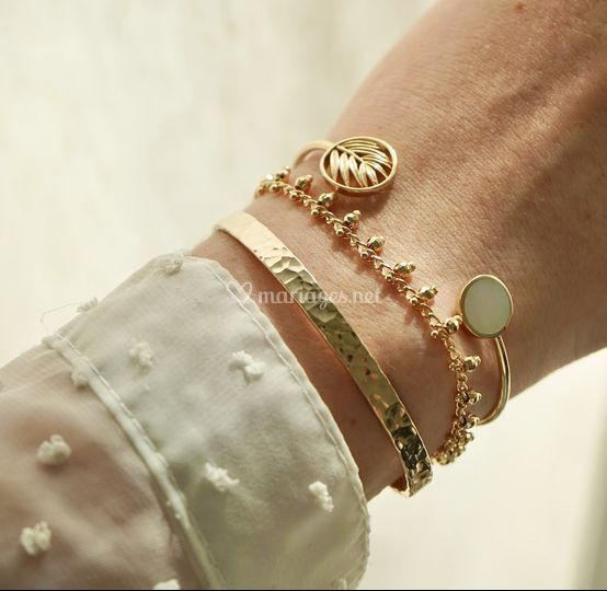 Accumulation bracelets