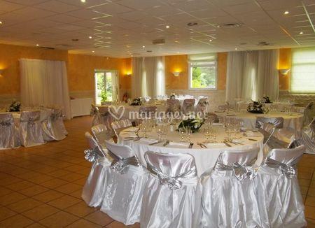 Salle de mariage décoration argent
