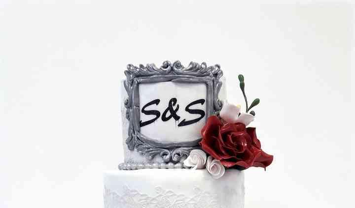 Wedding cake fleurs & dentelle