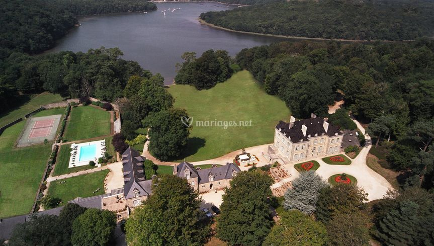 Château de Locguénolé vue mer