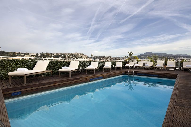 Splendid h tel spa 4 for Piscine 9eme