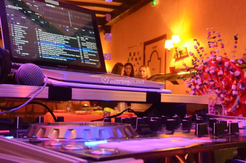 DJ Makkx