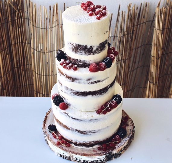 Naked cake décor fruits rouges