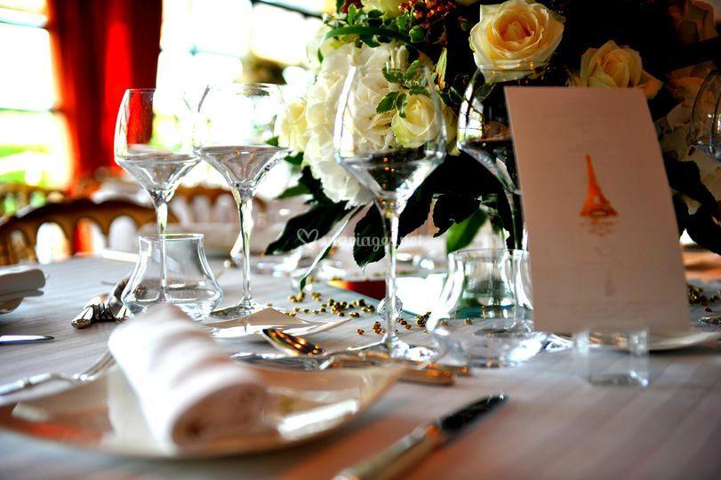 Déco de table or et blanc