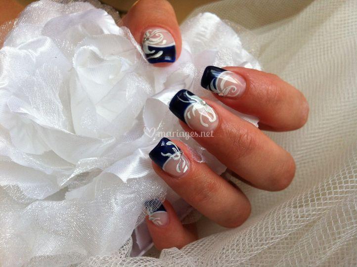Décos nail art fait mains
