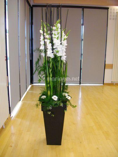 Colonne de fleurs location