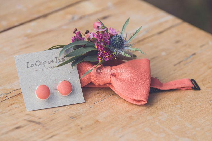 Nœud papillon et boutons assortis
