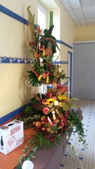 Composé de fruits et de fleurs