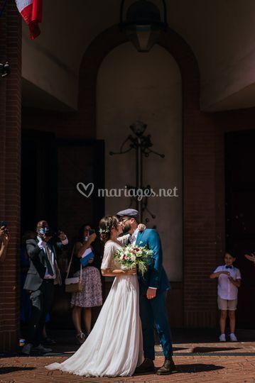 Vous pouvez embrasser le marié