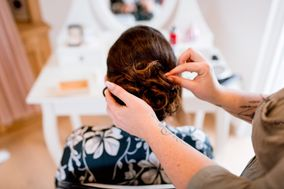 Marie hair styling and make-up
